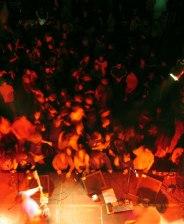 20041210_crowd2